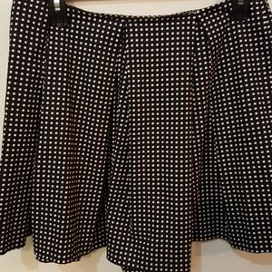 Kate Spade, Saturday black print skater shorts
